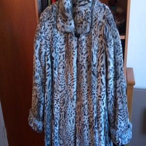 Pamela McCoy: Faux Fur Leopard Coat